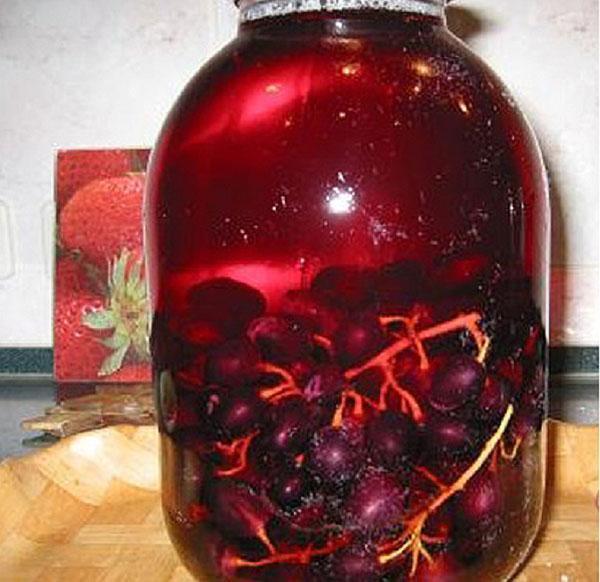компот из винограда готов