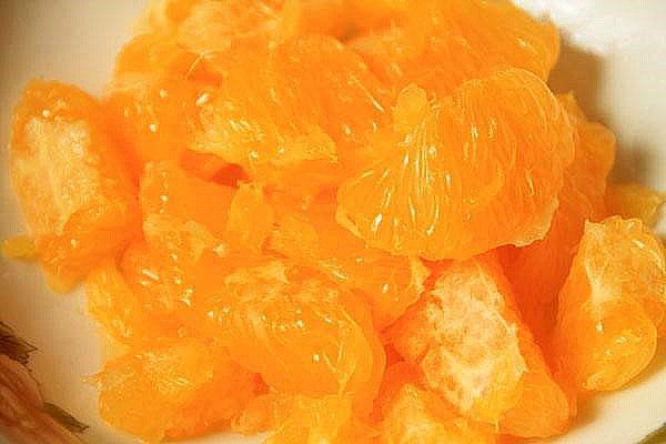 мелко порезать апельсин