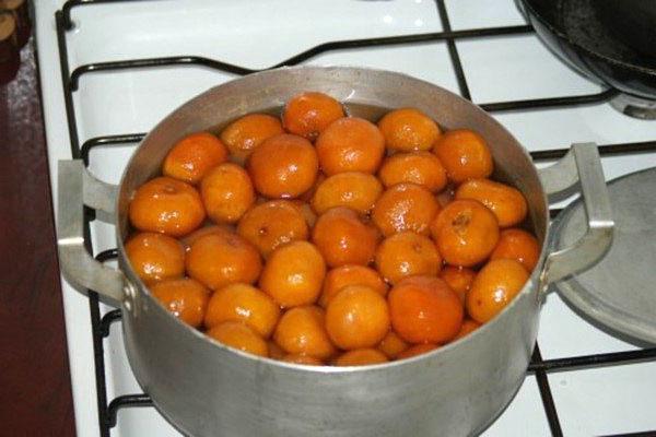 варить мандарины в сиропе