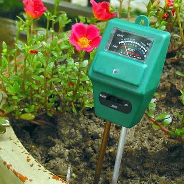 замер кислотности и влажности почвы