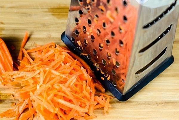 натереть морковь для салата