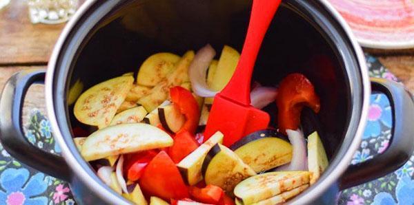 тушить салат со специями