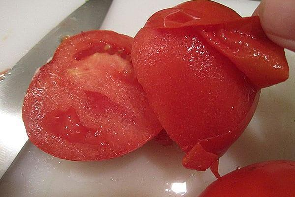 снять кожицу с томатов