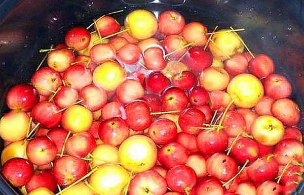 перебрать и помыть яблочки