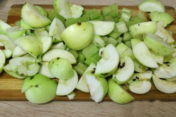 нарезать яблоки для компота