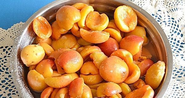 крепкие плоды подготовить для варенья