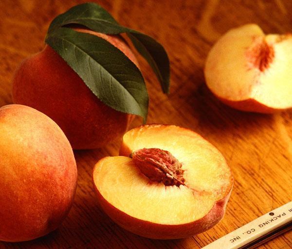персик обладает мочегонным свойством