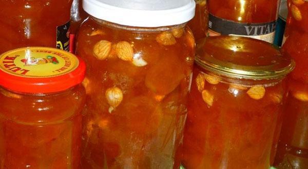 абрикосовое варенье с косточками и миндалем