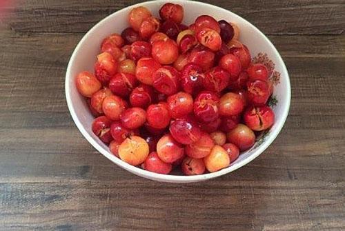 удалить косточки из ягод