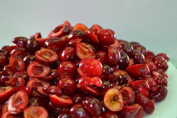 подготовить ягоды для джема