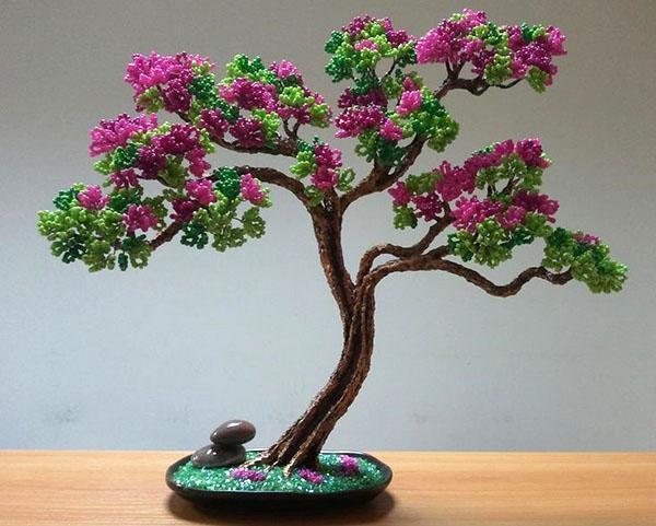 нежные соцветия из бисера