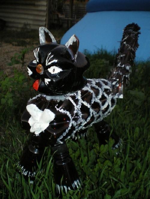 пластиковый красавец кот