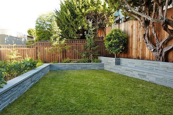 забор и ландшафтный дизайн участка