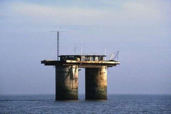 дом на нефтяной платформе