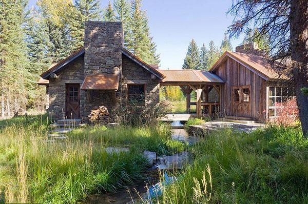 каменный домик у ручья
