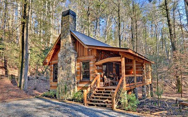оригинальный деревянный домик