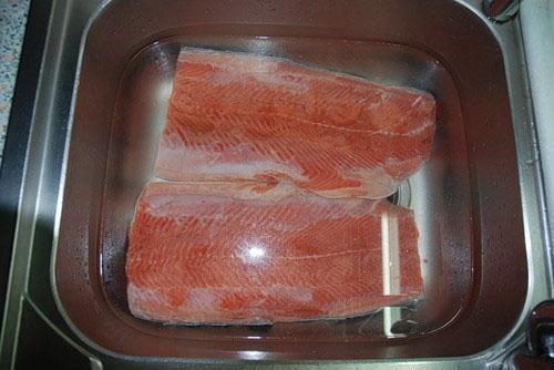 промыть рыбу перед употреблением