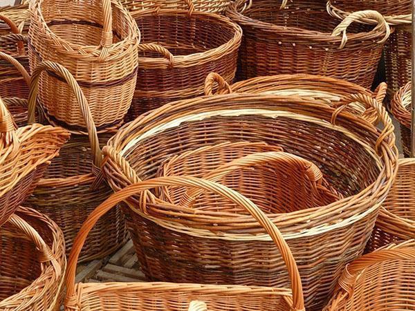 корзины из ивовых прутьев