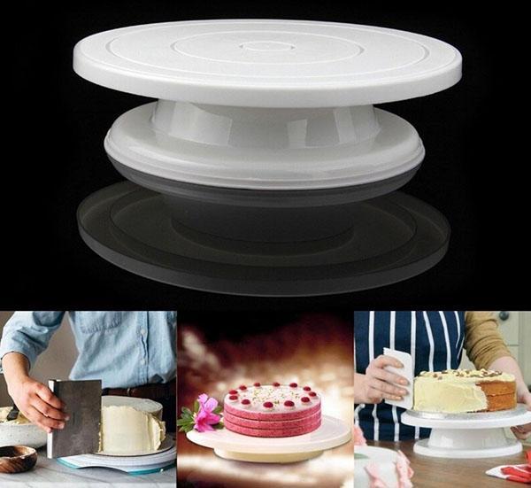 практичная подставка для торта