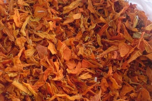 цветы бархатцев применяют в народной медицине