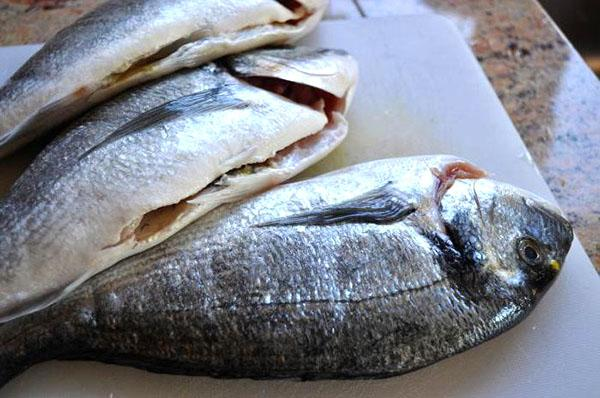 почистить и помыть рыбу перед засолкой