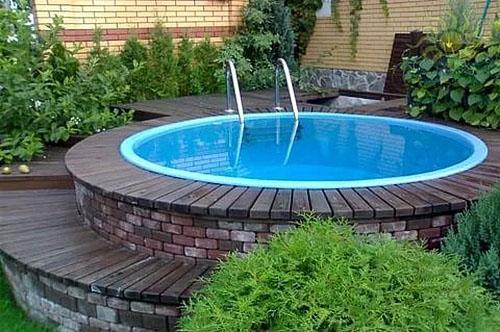 бассейн на дачном участке
