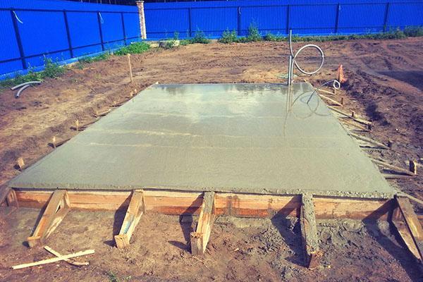 фундамент из бетонной плиты
