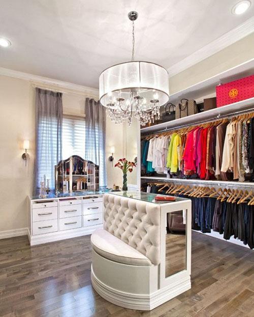 люстра в большой гардеробной