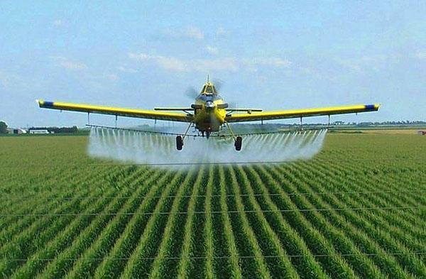 обработка полей инсектицидом авиатехникой