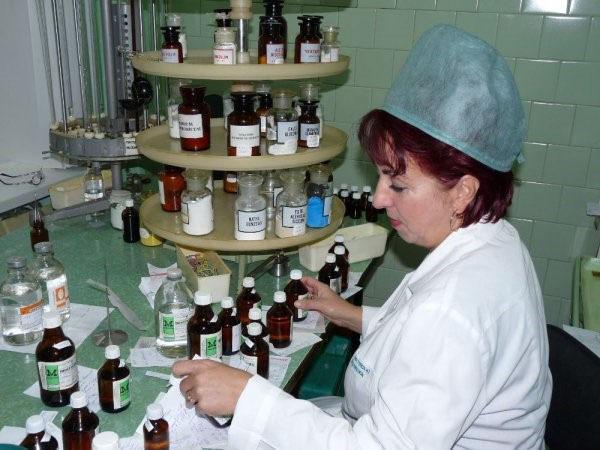 фармацевт знает сколько в грамме миллиграмм