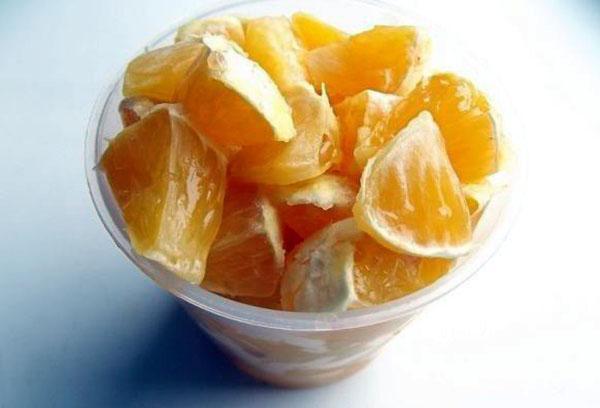 нарезаем апельсины