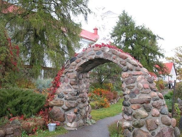 арка садовая из натурального камня
