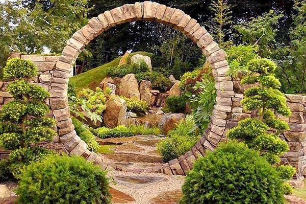 круглая арка из камня