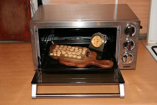 обжигаем изделия в духовке