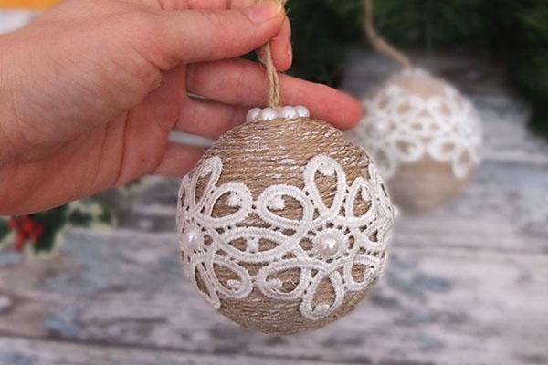 елочный шар в экостиле