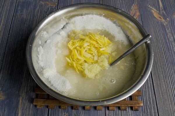 выжимаем сок лимона и смешиваем ингредиенты