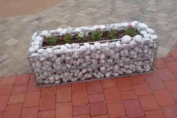 вазон для цветов из натурального камня