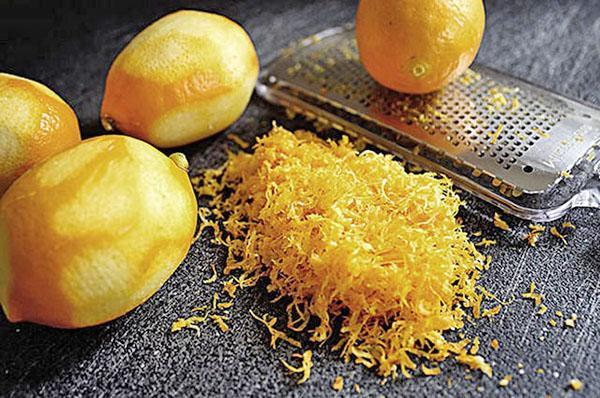 снять лимонную цедру