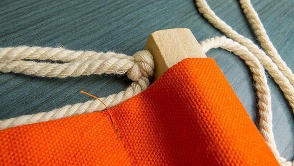 крепление ткани на бруске