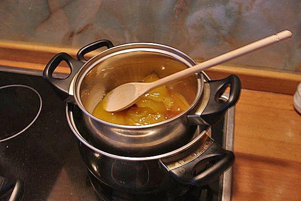 растопить мед на водяной бане