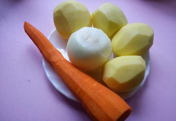 почистить картофель