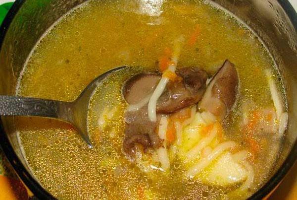 суп из замороженных грибов готов