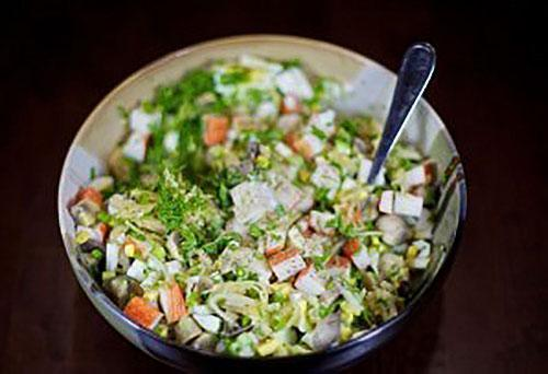 вымешивают салат