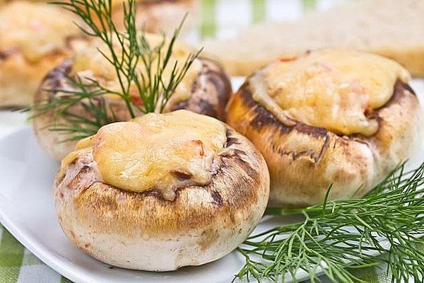 фаршированные куриным филе грибы