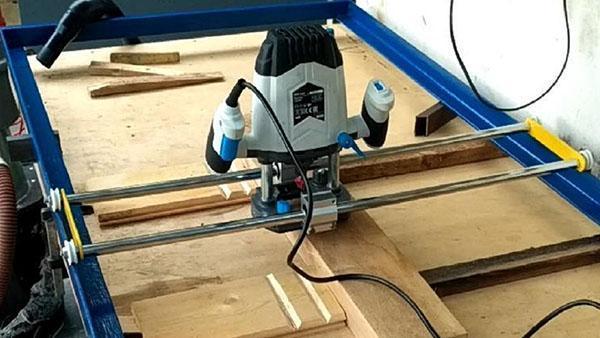 процесс обработки дерева фрезерным станком