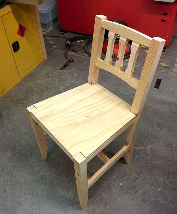 стул со спинкой