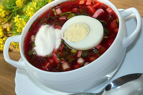 подать настоявшийся суп к столу