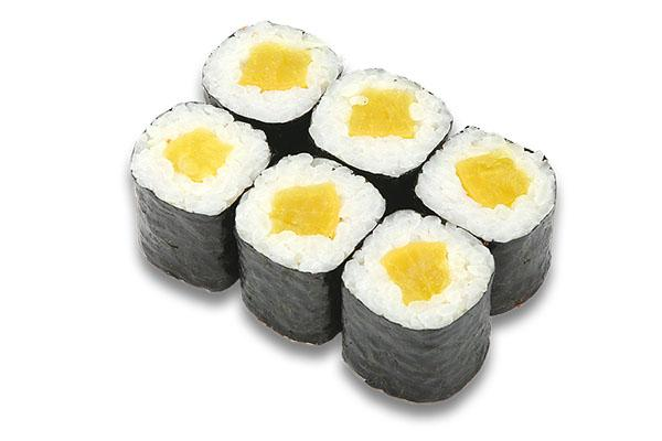 суши с маринованным дайконом