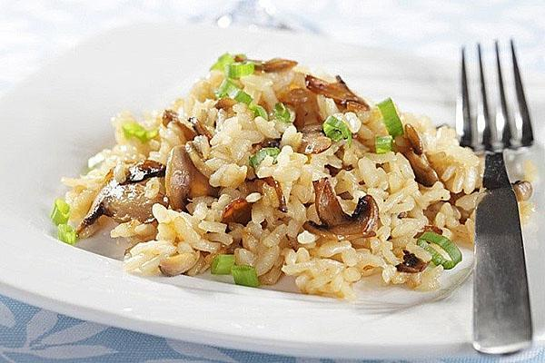 рис с грибами на скорую руку