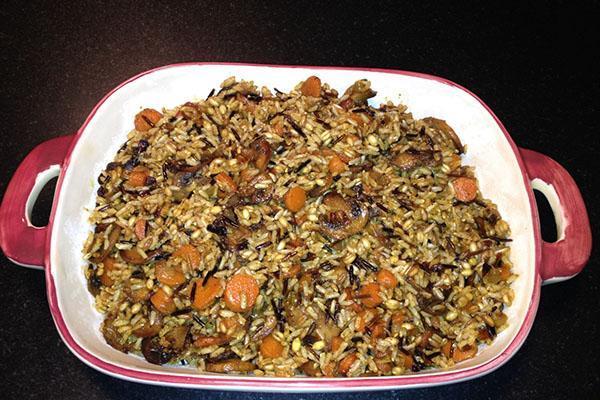 тушить рис с грибами